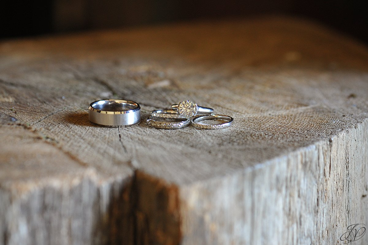 beautiful photo of vintage wedding rings, jessica painter photography