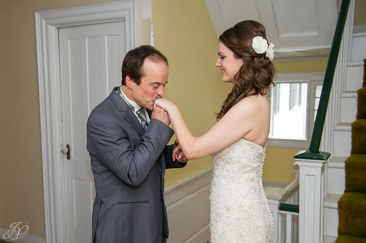 perfect first look moment between bride and her dad