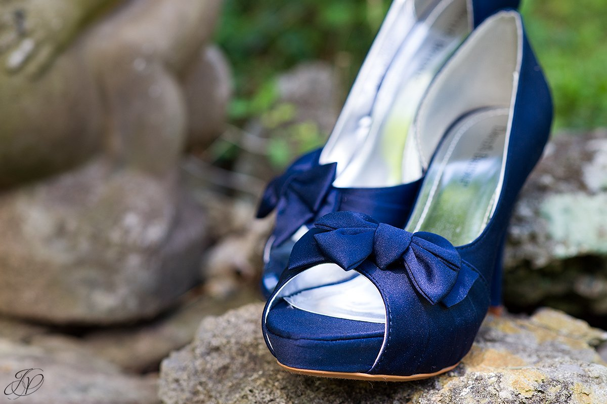 wedding day details something blue blue wedding shoes