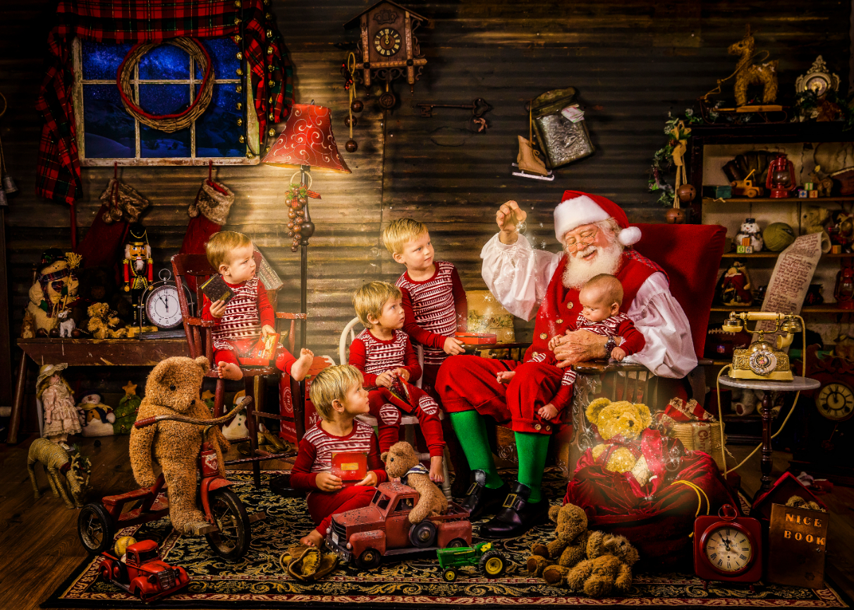 Schedule your Santa Experience session TODAY!