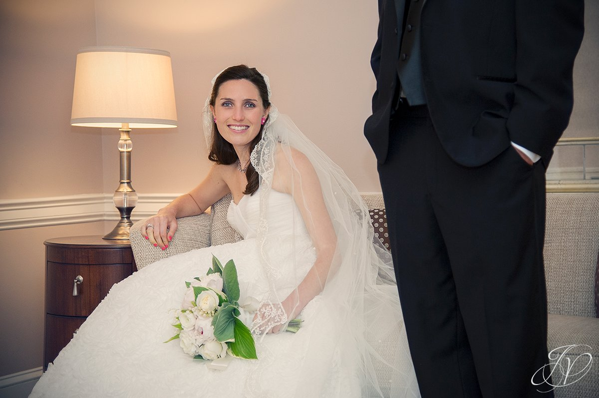 beautiful bride photos, bride sitting with flowers photo, wedding photographers albany ny