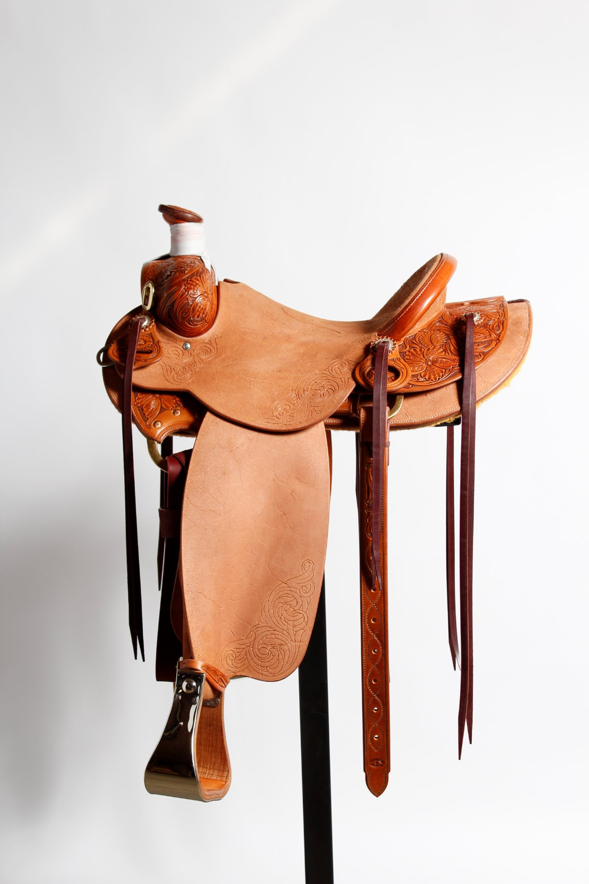 McCulloch Saddlery, custom saddles built by cowboys for cowboys