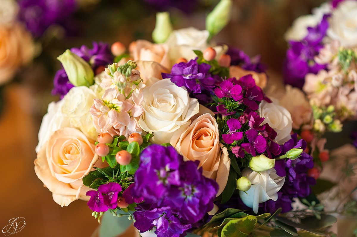 peach rose wedding flowers