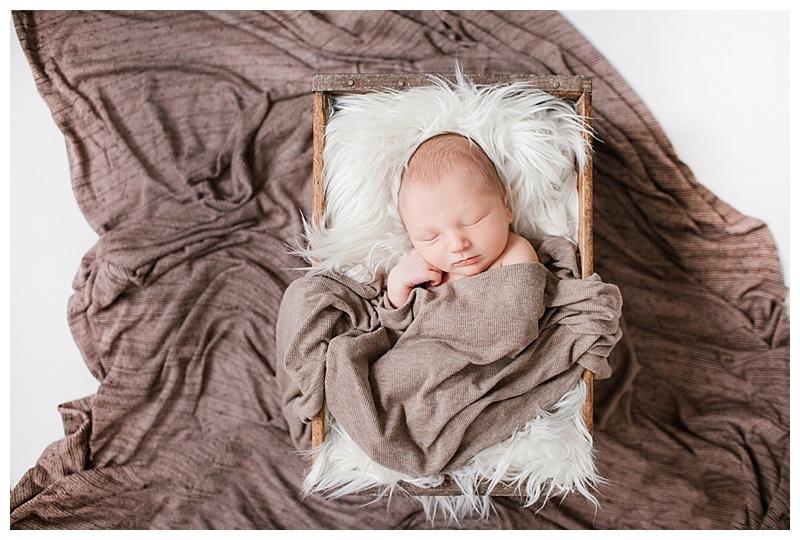 newborn-photographers-os-angeles